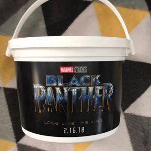 Black panther bucket